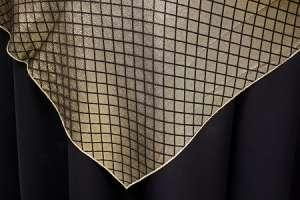 60″ x 60″ Gold/Black (Reversible)