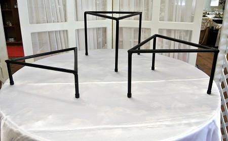 Stand, Triangle, 10″ High
