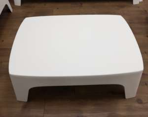 Lounge Coffee Table – White Plastic